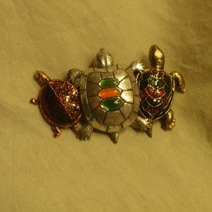 Jewelry - Beautiful Three Turtle Brooch